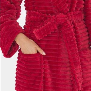 {SOMA} Raphael Red Plush Robe L/XL